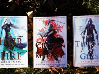 throne of glass series by sarah j maas